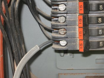 two wires on the same breaker